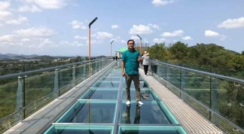 Heavenly Glass Bridge